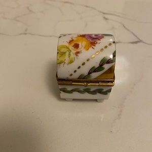 Limoges Pill Box made in Limoges, France Vintage